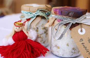 gifts-made-using-essential-oils-magnesium-bath-salts